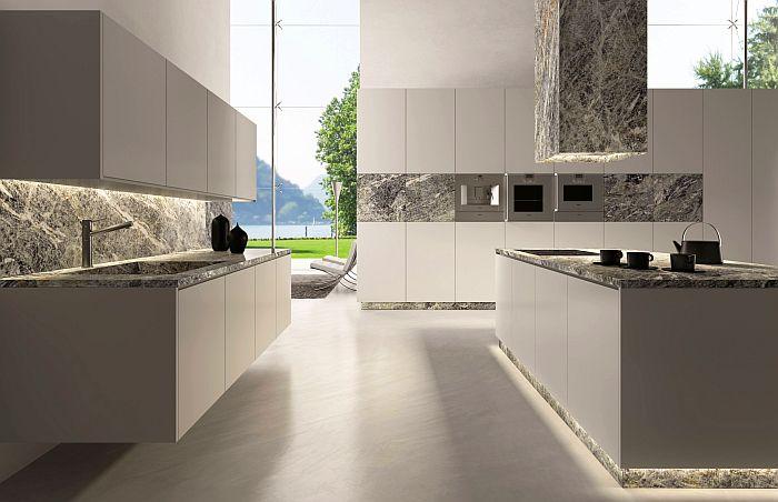 Quartzite Cielo, de Antolini, en una cocina vital con tonos contemporáneos