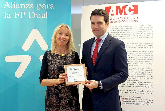 Asociación de Mobiliario de Cocina (AMC) Alianza para la Formación Profesional Dual Alianza para la FP Dual desempleo juvenil Fundación Bertelsmann Fundació Princesa de Girona Cámara de Comercio ceoe