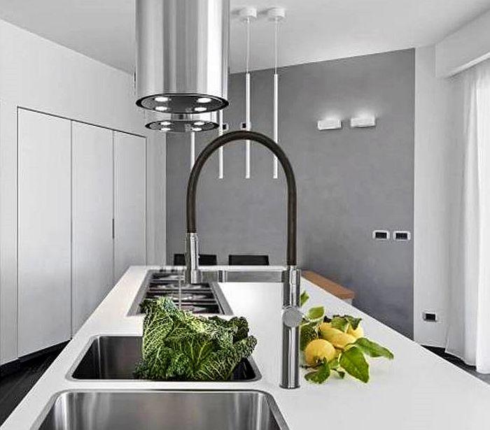 Grifo de cocina extraíble con sistema osmosis, de Ramon Soler