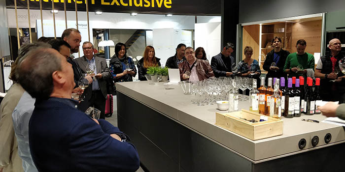 Delta cocinas, cata de vino, cata marinada, espacio cocina sici 2019, feria sici 2019, sici 2019, feria de la cocina, valencia, mueble de cocina, rioja, vino