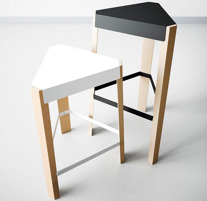 acero lacado epoxi, asiento triangular y tres patas, Cancio, diseño escandinavo, madera maciza de haya teñida o lacada, Podio, taburete, taburete Bar Podio