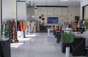 Andrea Minski, Ángel Sánchez, Carolina Almeida, diseñador de moda, diseñadores latinoamericanos, Eva Hughes, ex jefa de redacción de Vogue México y América Latina y CEO de Condé Nast México y América Latina, Fashion + Textures, gerente de Cosentino City Miami, NU3, presentadora de televisión, tienda pop-up
