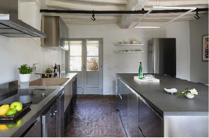 17thCentury farmhouse, Abimis, Abimis kitchens, ancient stone sink, Atelier kitchen, Atelier kitchen by Abimis, French architect Julie Smith, functional kitchen, Pietra Serena sandstone, Versailles