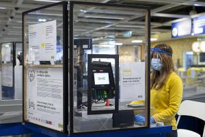 Ikea reincorpora a toda su plantilla y abre sus tiendas de las zonas en fase 2