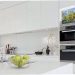 Miralay, espejos con televisión integrada para los muebles de cocina