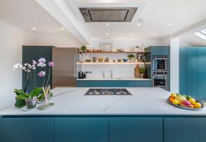 Neolith, en la cocina de la casa del chef británico Rich Harris